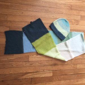 Gap hat & scarf set
